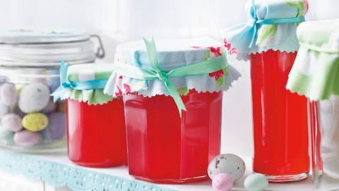 Gelé med rarbarber og hindbær
