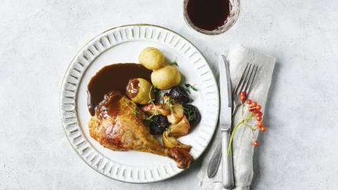 Langtidsstegt and med sauce