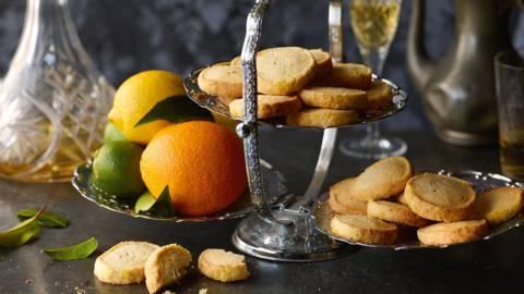 Småkager med citrus og mandler