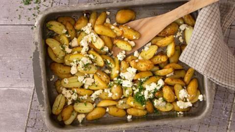 Bagte aspargeskartofler med feta