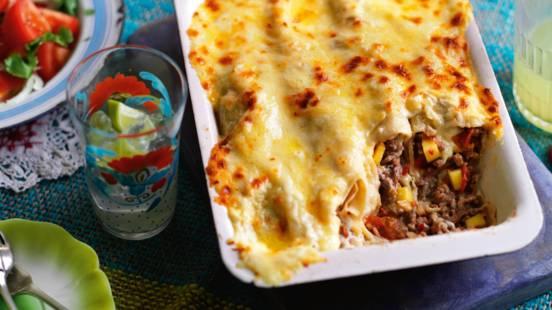 Bagte enchiladas med hakkekød og mangofyld
