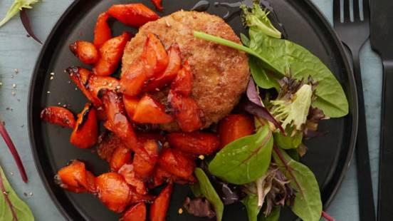 Karbonader med glaserede gulerødder