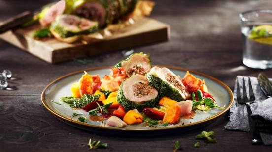 Svinemørbrad med ovnbagt hokkaido-græskar, bacon og blommechutney