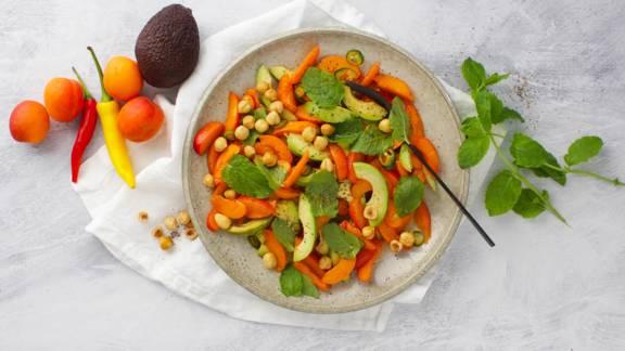 Spicy avocado-abrikossalat