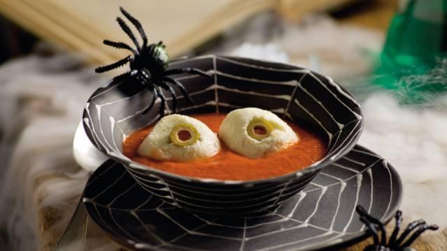 Øjenæbler (Mozzarella i tomatsovs)