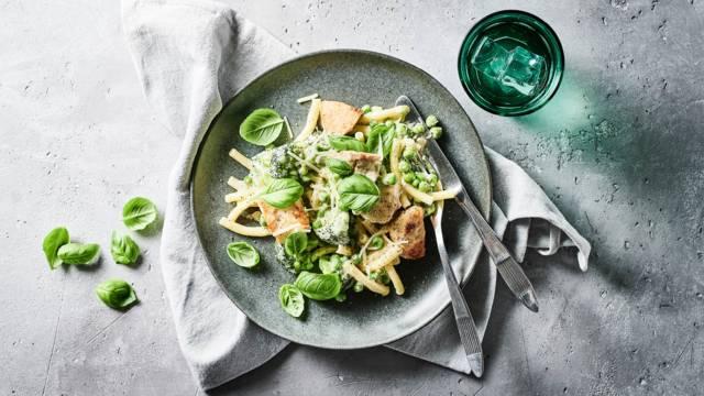 Opskrift for cremet kylling med pasta og grønt fra Lidl