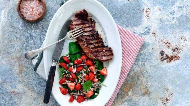 Jordbærsalat med spinat