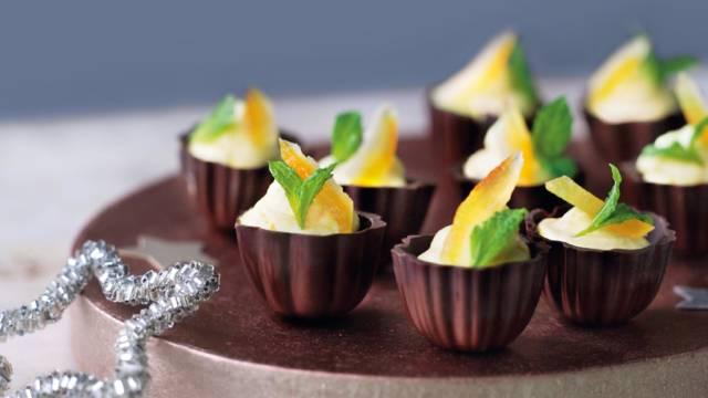 Appelsinmousse i chokoladebunde