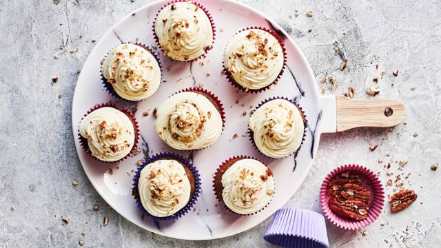 Gulerodscupcakes med frosting