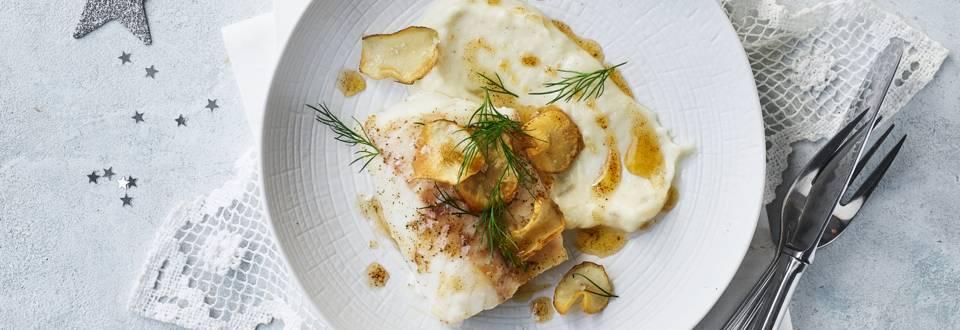 Bagt torsk med brunet smør og jordskokkepuré og -chips