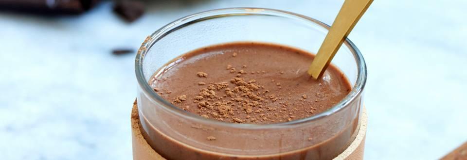 Varm chokolade med mandelmælk