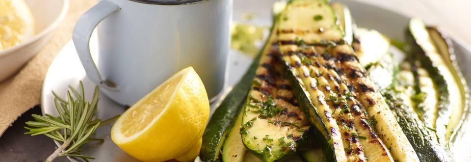 Grillet zucchini med citron- og krydderurteolie
