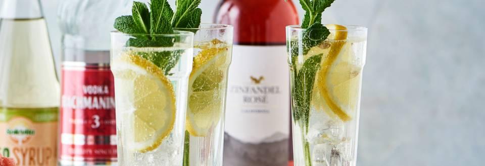 Sommerdrink med hyldeblomst, gin og mynte