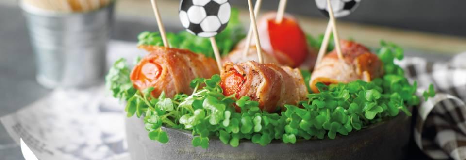 Cherrytomater med bacon og karse