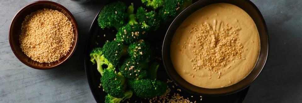Broccoli med gomadip