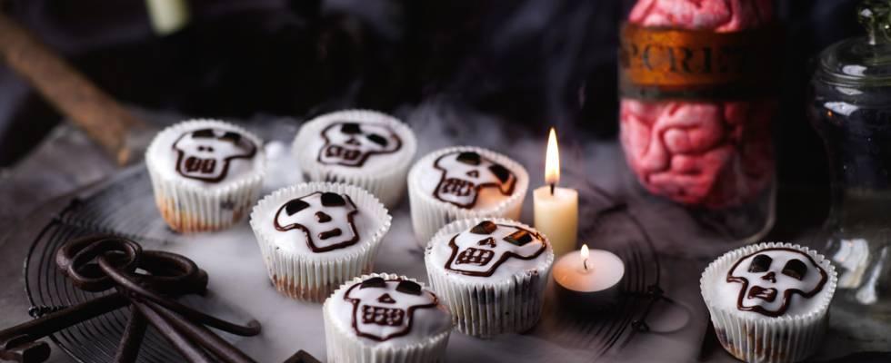 Spiselige dødningehoveder (Muffins med chokolade- og lakridssmag)