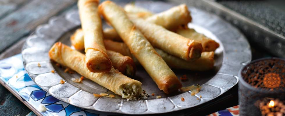 Sigara börek med fåreost og oliven